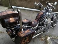 Motocykl v kůži 001