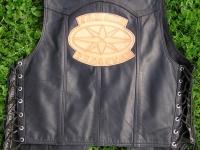 Motorkářská vesta ruční výroby 02
