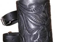 Kožený nápoják na motorku ruční výroby