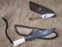 Kované nože a pochvy z tulení kůže 001