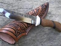 Ručně kovaný nůž a pochva ze zdobené hovězí kůže 001