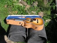 Kožený kufr na kytaru 004