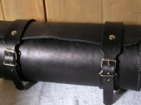 Kožená rolka na motorku ruční výroby 04